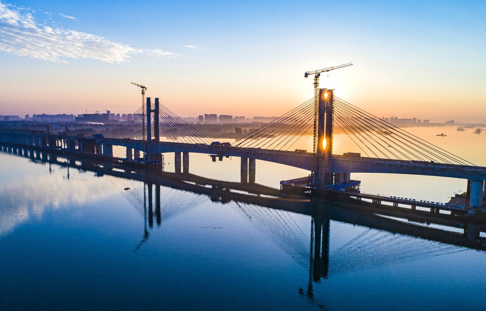 Hanjiang Bridge of Menghua Railway under construction in Xiangyang China's Hubei