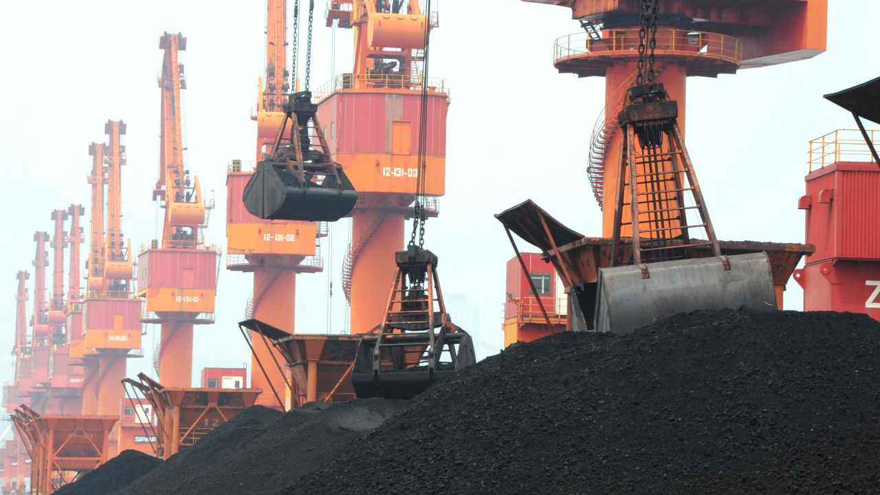 Chinese traders ditch cheap US coal for domestic supply as tariffs loom