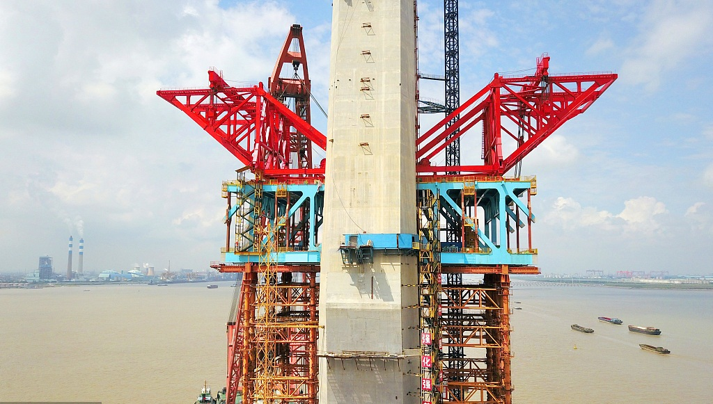 Making world's longest cable-stayed bridge for dual use