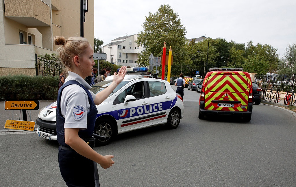 Knifeman kills mother, sister near Paris; IS claims attack