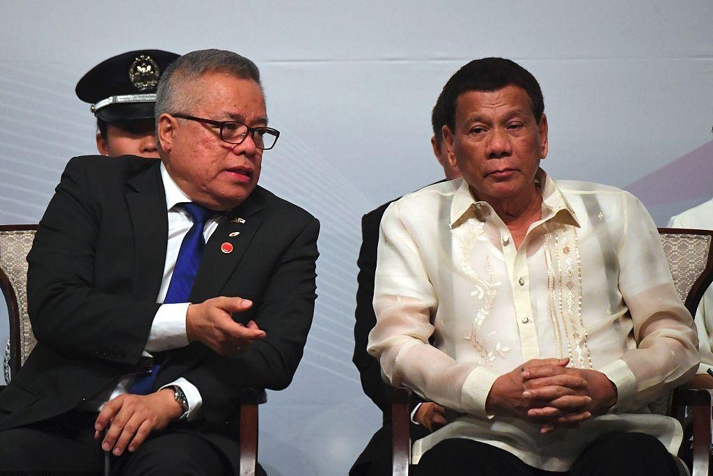 Duterte says buying US F-16 jets 'utterly useless'