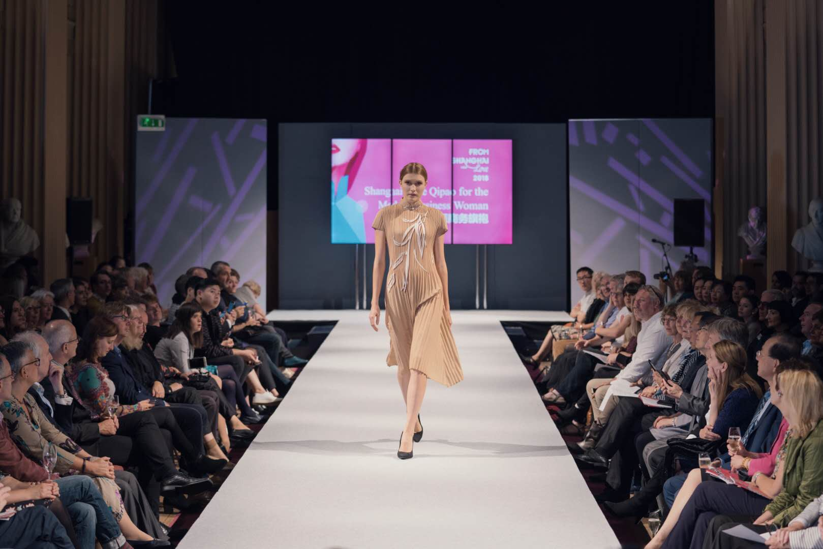 Shanghai Style qipao show stuns Edinburgh International Festival