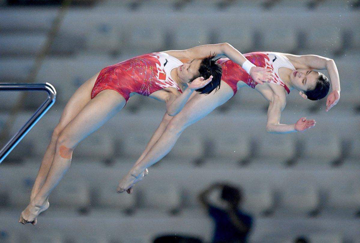 Zhang Jiaqi/Zhang Minjie snatch women's 10m synchro platform title