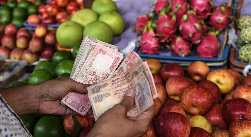 Indian rupee plunges further to 70.82 against USD