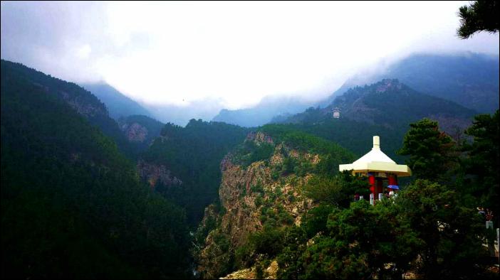 Enjoy the taste of Helan Mountain wine in Ningxia