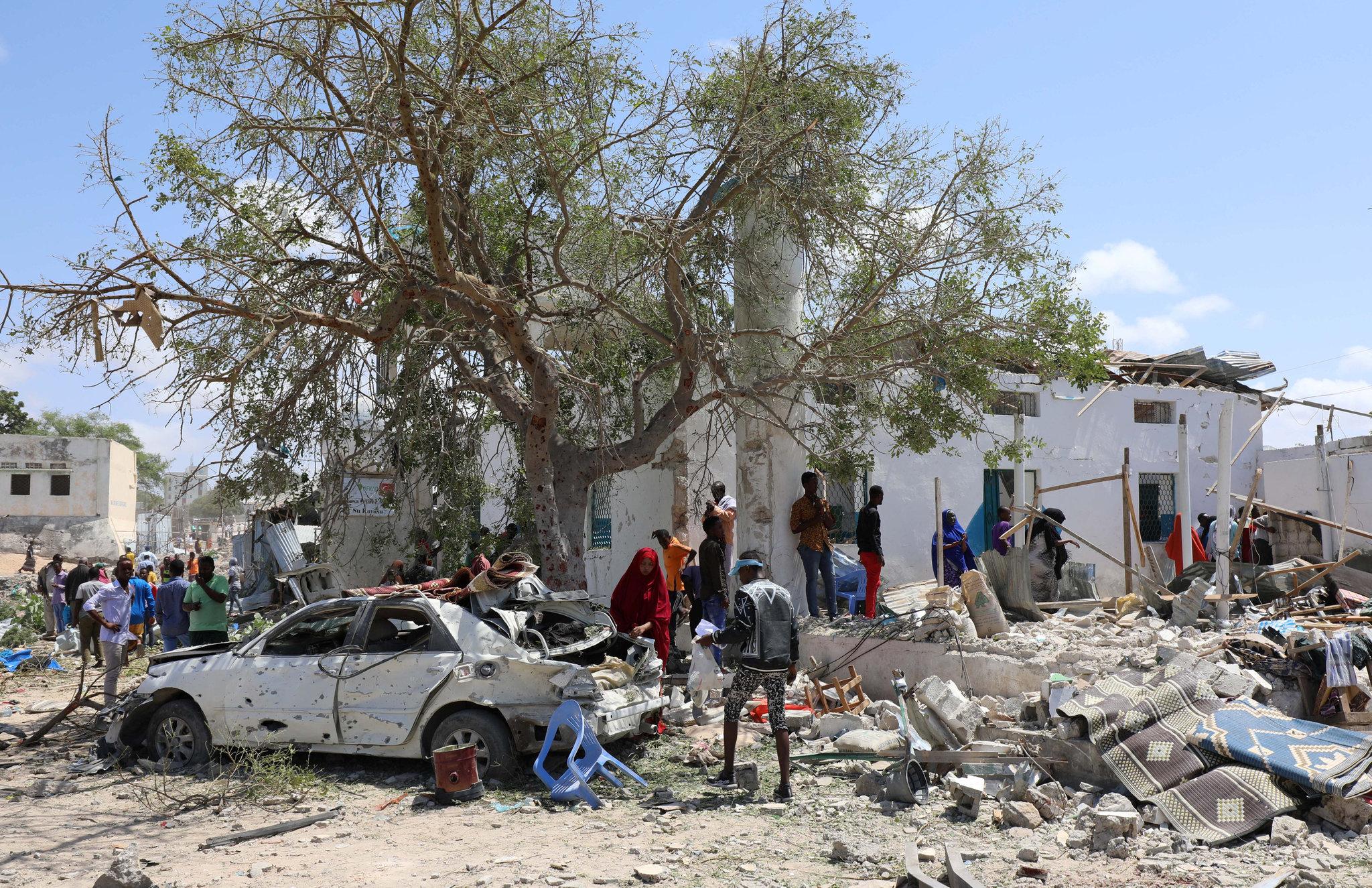 3 killed, over 10 injured in blast in Somalia's Mogadishu