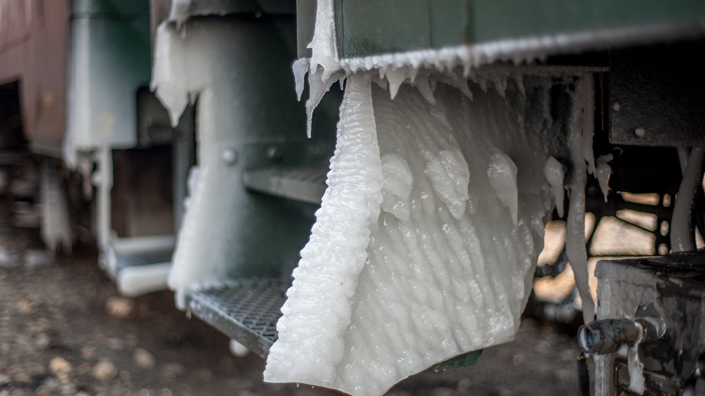 Scientists develop new way to remove ice without power, chemicals