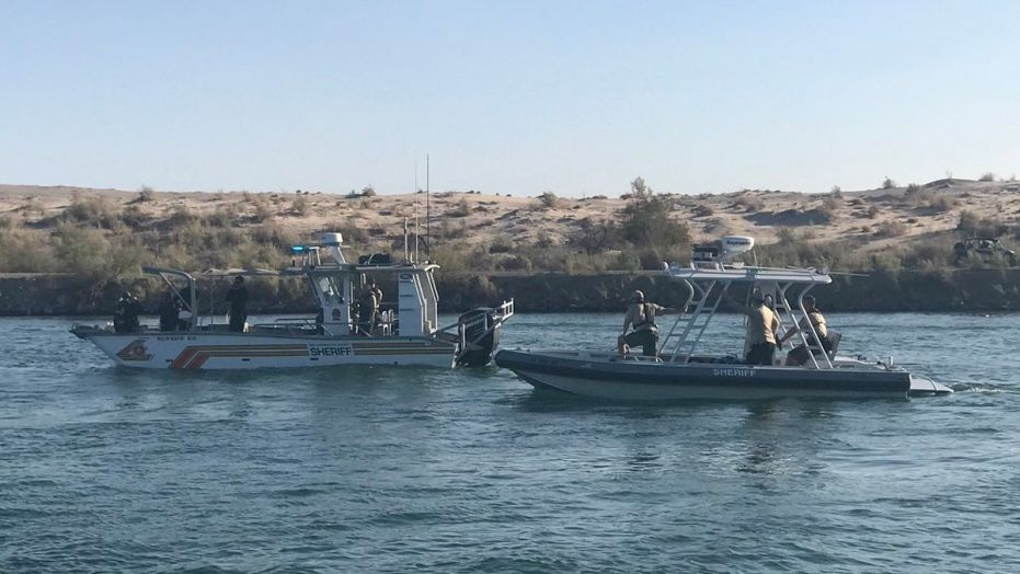 Woman's body found in Colorado River after 2 boats crash; 3 people missing