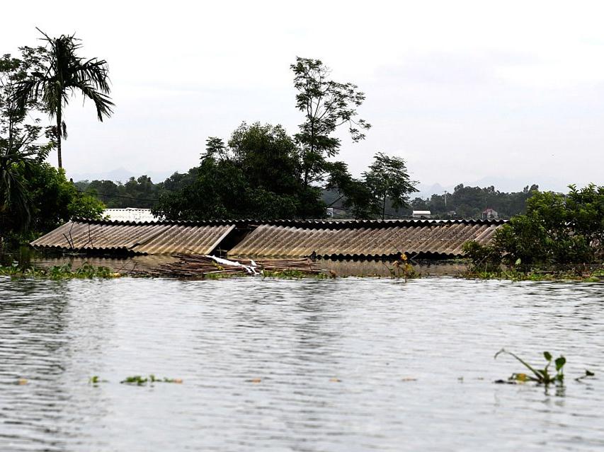 Floods kill 16, leave 4 missing in Vietnam