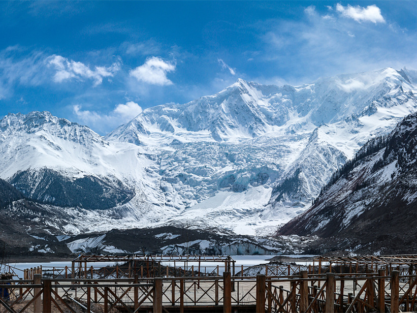 Glaciers on Qinghai-Tibet plateau shrink 15 percent in past 50 years