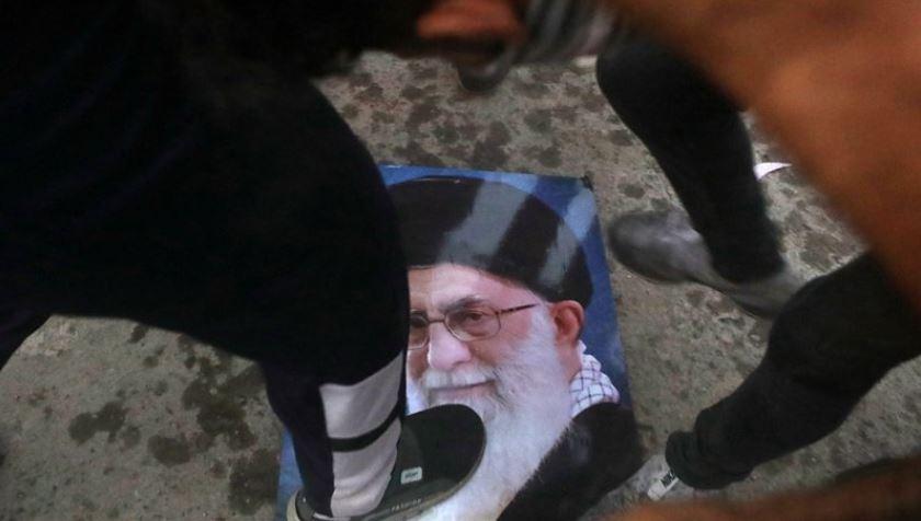 Shiite militias vow response to violent Basra protests