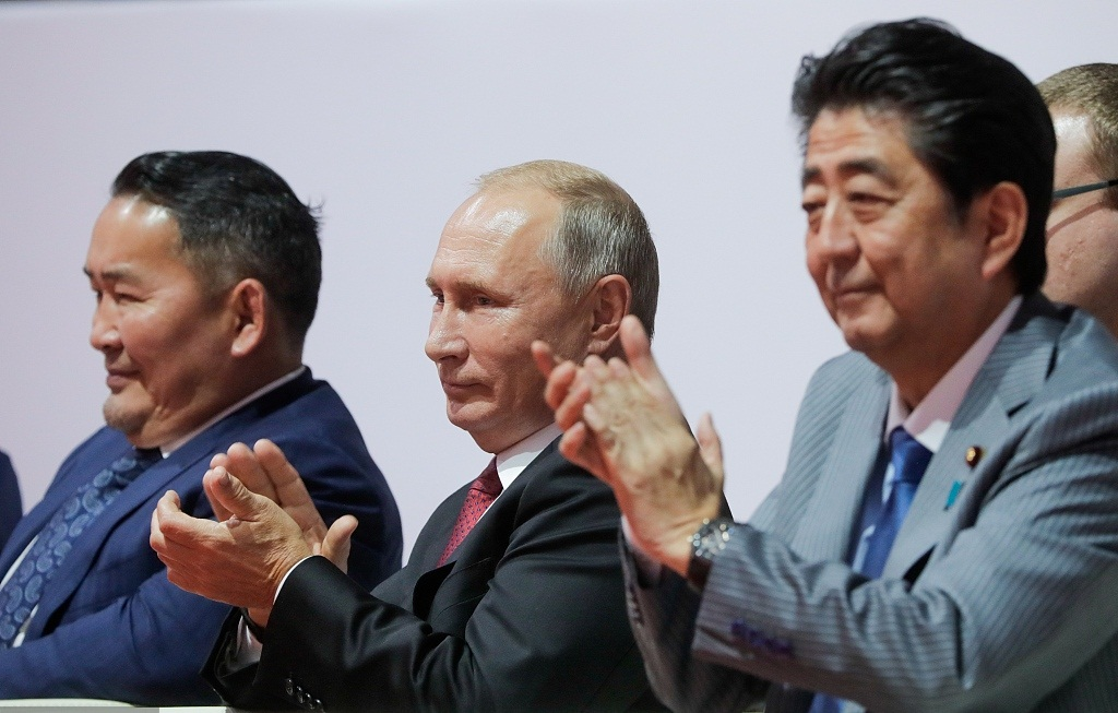 Putin proposes signing peace treaty with Japan by year end