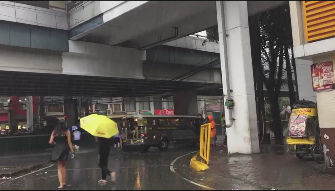 Super typhoon Mangkhut slams Philippines, killing 12
