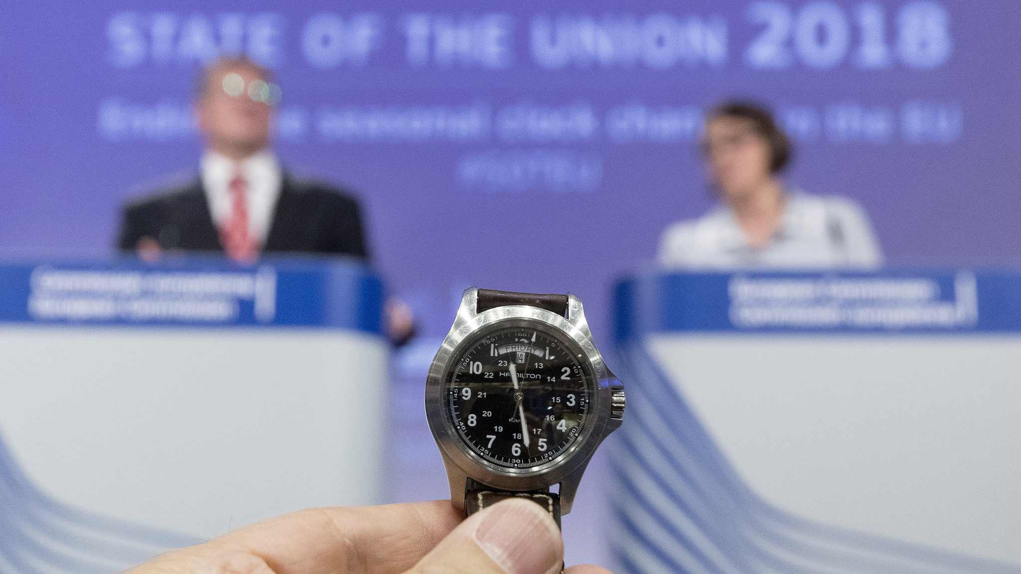 EU pleads for cooperation to avoid clock-change chaos