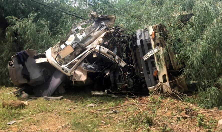 Coach-truck collision in northern Vietnam kills 12, injures 3