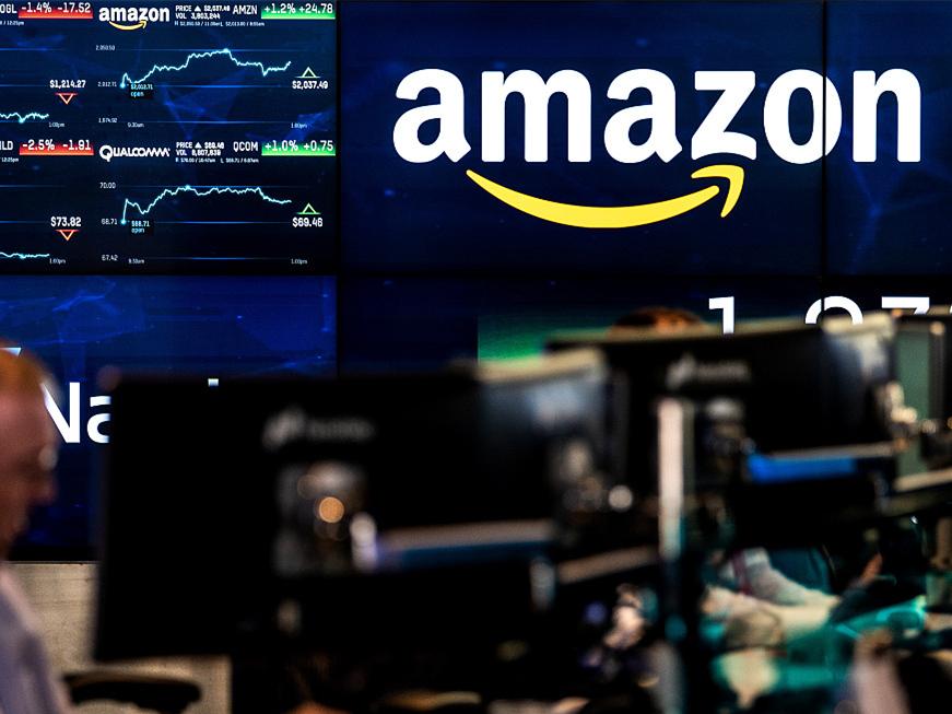 Amazon probing staff data leaks