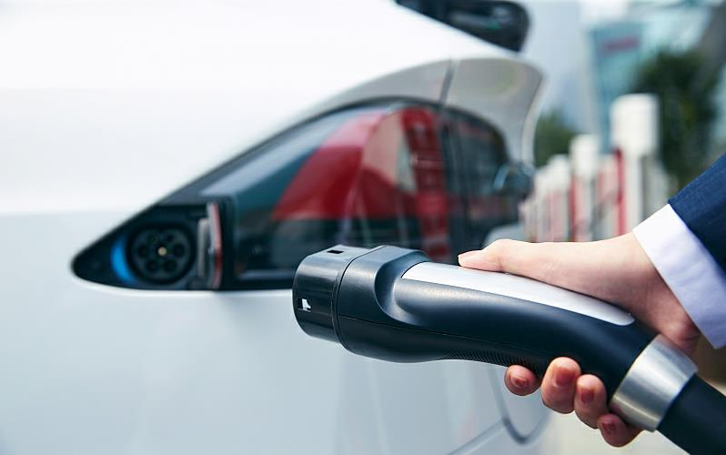 Beijing to add more public NEV charging stations