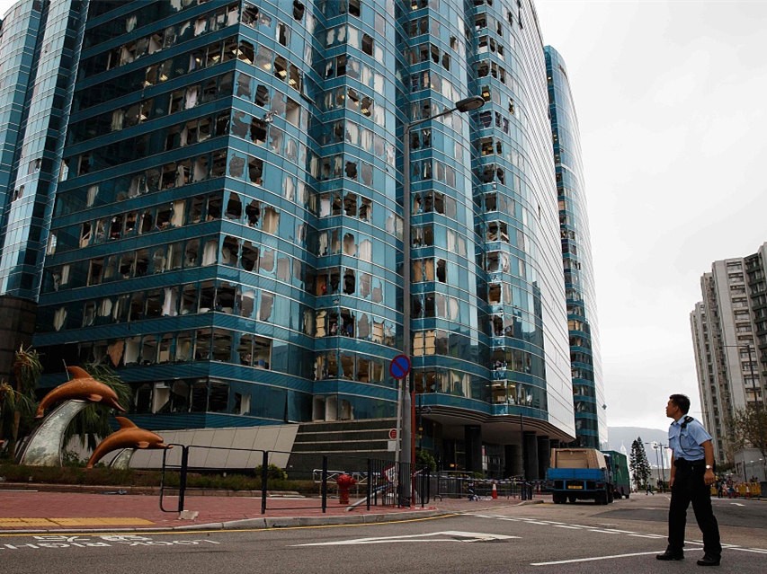Hong Kong recovers from typhoon Mangkhut chaos