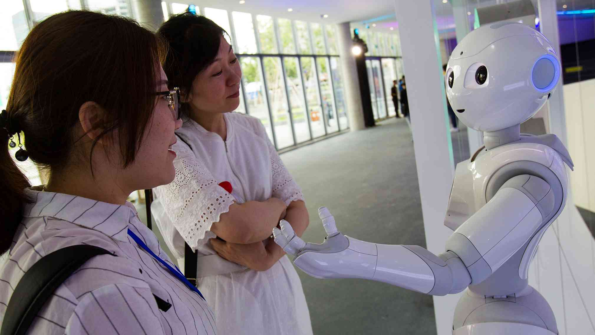 Xi says China willing to cooperate with other countries in AI industry