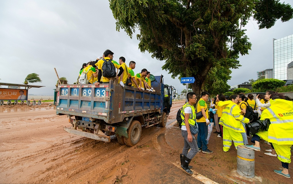 Typhoon cleanup underway in southern China