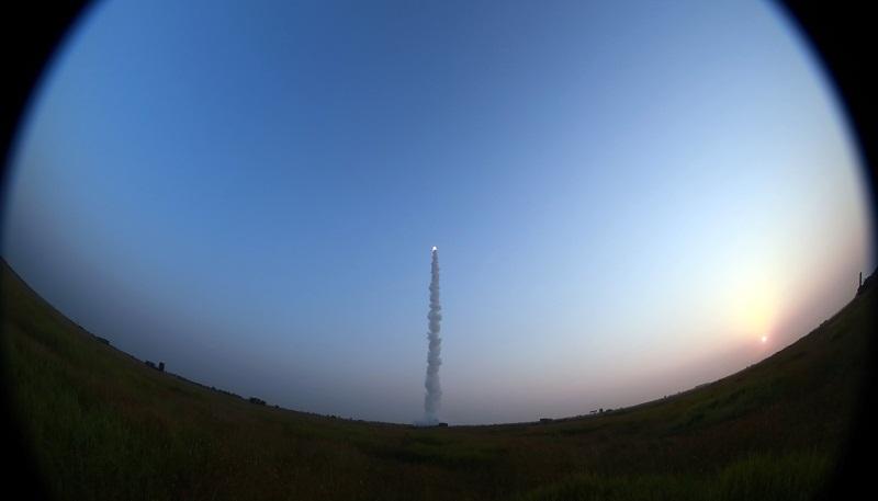 Multi-type missile systems conduct training near Bohai Bay